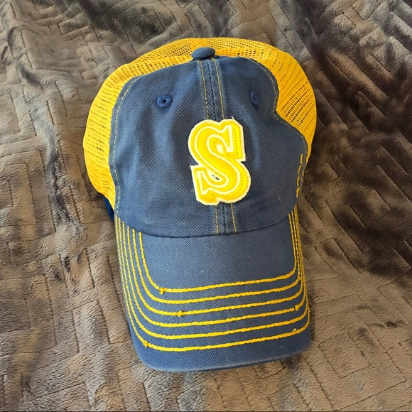 quality design a9a2f b99e1 💙Seattle Mariners Hat  Cooperstown Collection 💛.  M 5ba3b539035cf1677b531fc6